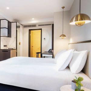 Brady-Hotels-Jones-Lane---business-room